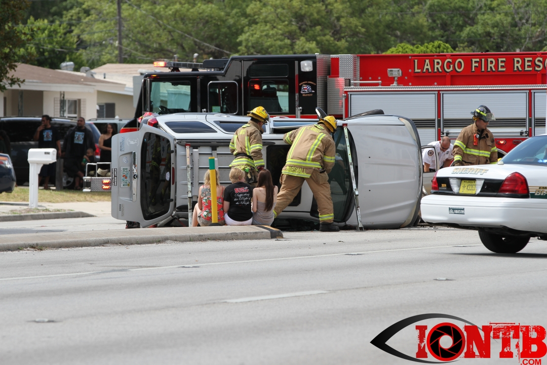 Bayflite transports one patient from vehicle crash on Ridge Road in Largo