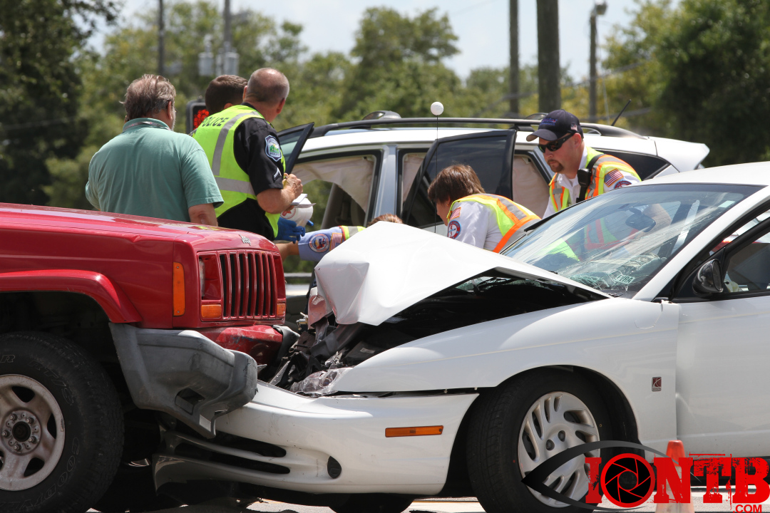 Three vehicle collision with injuries in Pinellas Park