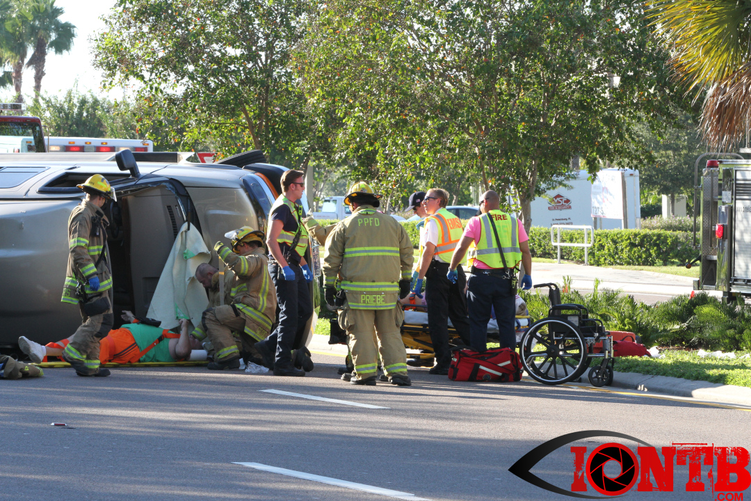Traffic crash leaves two vehicles overturned in Pinellas Park