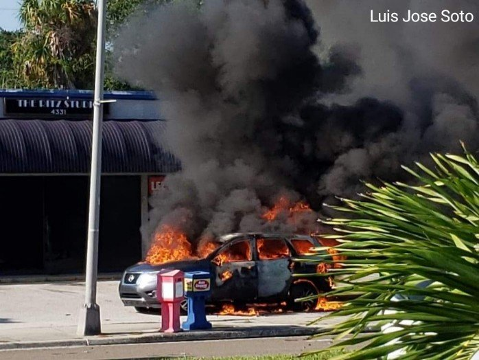 Unmarked Detective's Vehicle from Tarpon Springs Police Department Catches Fire in Tampa, Ammo Burns