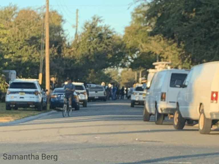 Man shot and killed in St. Petersburg, suspect sought