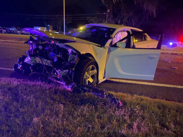 Six injured after driver hits vehicle of Hillsborough County Sheriff's Office deputy