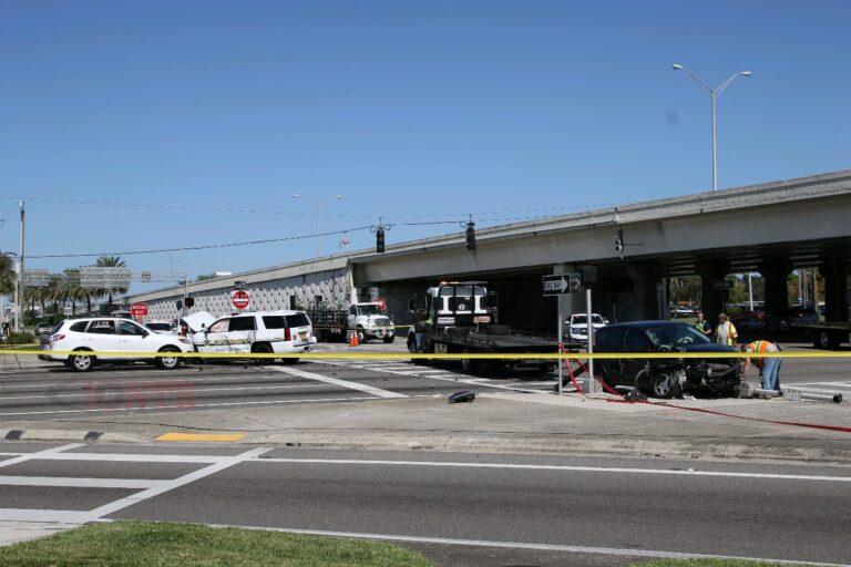 Deputy involved crash closes East Bay Drive