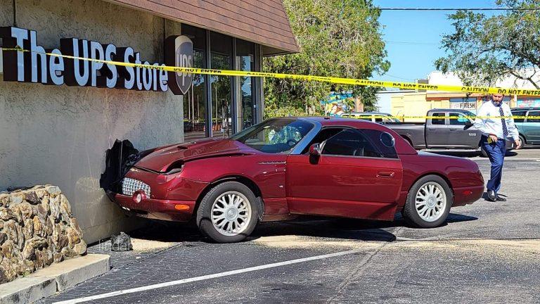 Car crashes into Pinellas Park UPS store