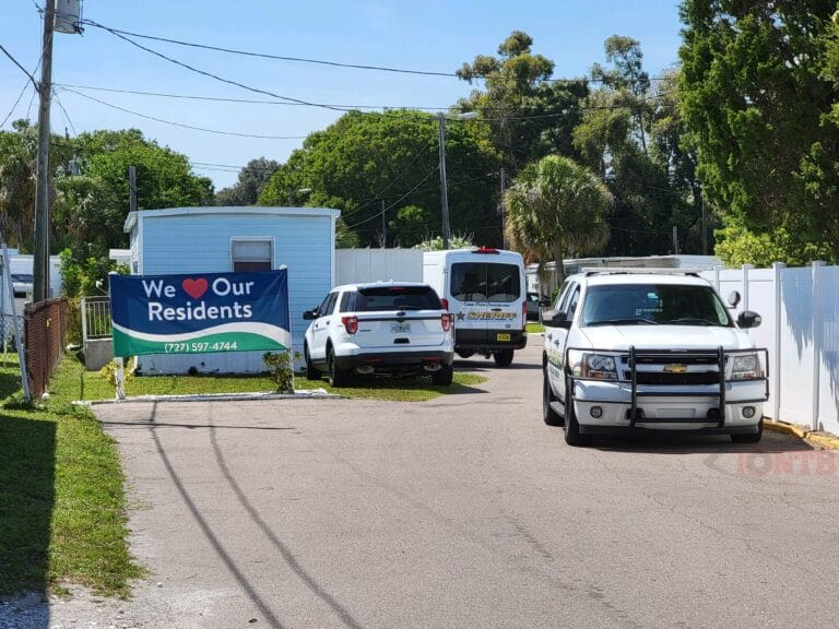 Pinellas deputies conducting homicide investigation at a mobile home park off Seminole Boulevard in unincorporated Largo