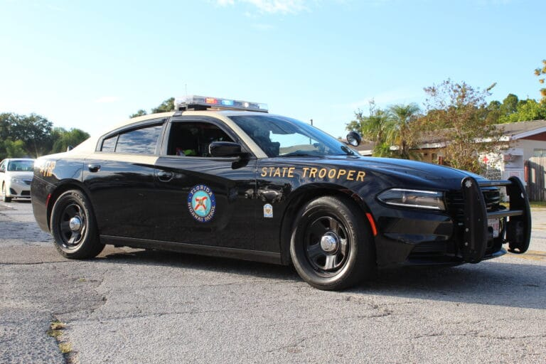 Troopers investigate Hillsborough County crash leaving one dead and a Largo woman seriously injured
