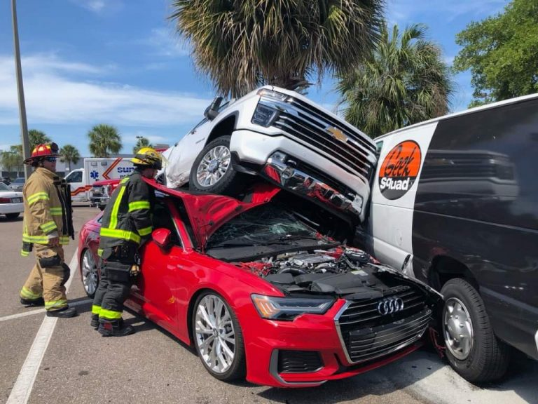 Multiple vehicles damaged in Clearwater as driver loses control in Best Buy parking lot