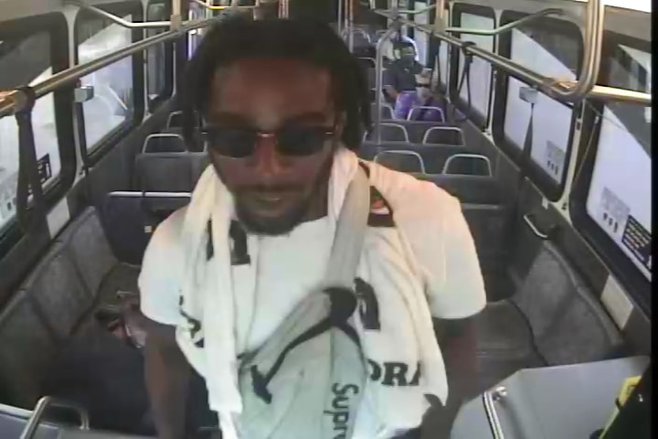 Pinellas Park officers looking for passenger that punched PSTA bus driver